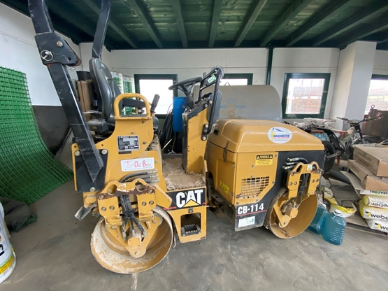 Rullo compattatore CAT Bitelli CB114